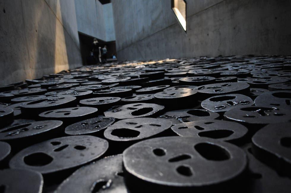 máscaras de ferro museu Berlin 1