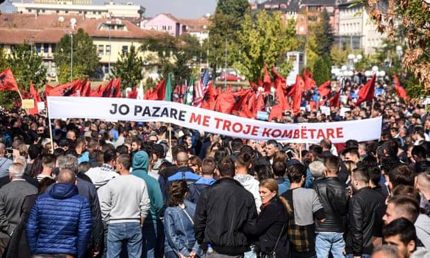 protesto contra Thaçi