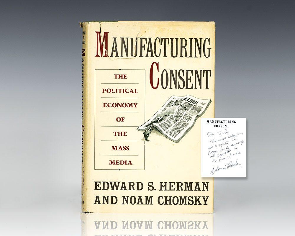 foto da capa de manufacturing consent