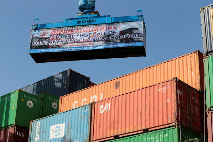 container no primeiro navio chines partindo do CPEC porto em gwadar nov 2016 Caren Firouz Reuters