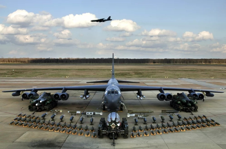 Stratofortress B-52 bombers, Arsenal Plane, and weapons