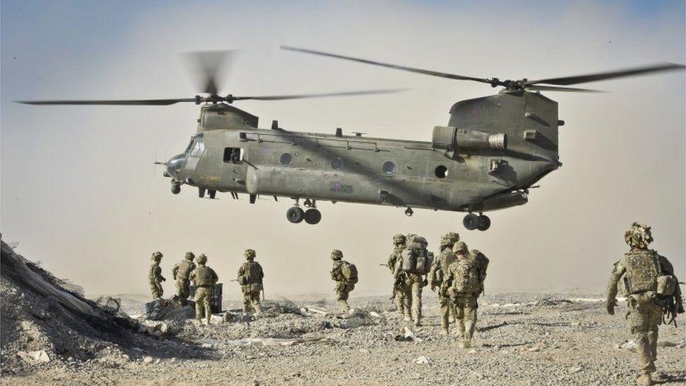 Tropas britânicas no Iraque são acusadas de crimes de guerra