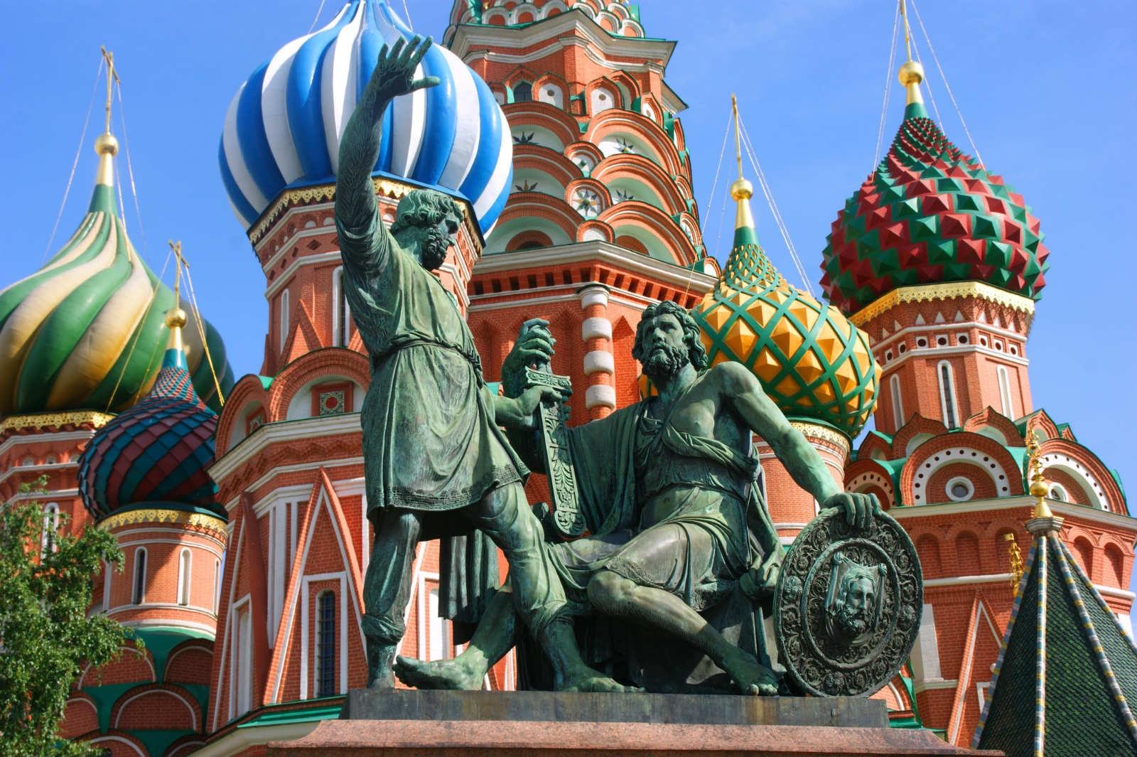 Reino Unido financiou BBC e Reuters em campanha de desinformação contra a Rússia
